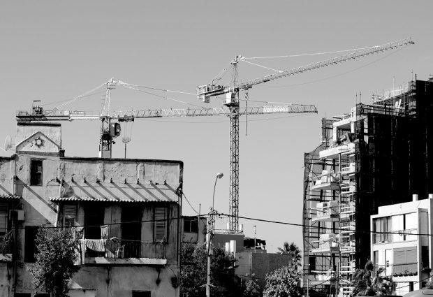 בניין בעת תהליך התחדשות עירונית